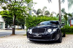 Supersports. (Jean Oliveiira) Tags: photography continental fujifilm bentley dealership ae w12 sl1000 carphotography 2016 supersports finepixsl1000