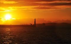 bfds procê (Ruby Ferreira ®) Tags: sunset lighthouse clouds bay silhouettes hills nuvens ripples farol montanhas silhuetas baíadetodosossantos