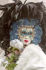 Carnaval Venise 2016-6048 (ousktamitamoto) Tags: carnival venice costumes italy color costume italia mask parade carnaval colored venise carnevale venezia venedig italie masque masques costumi masken maschere ital flanerie masqu costum flnerie vnitien masqus vnitienne costums carnavaldevenise2016