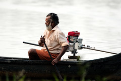 KV4A2963 Boatman from Our Land - Alappuzha - Kerala - Indien (Thanks for visit Soes' photo from the lovely natur) Tags: india kerala indien boatman alappuzha ourland solveigsterschrder bdsmand