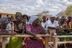 Farmers in a community hard hit by drought (World Bank Photo Collection) Tags: africa woman women farmers kenya forestry farm farming drought agriculture arid worldbank