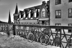 Bellmansgatan 1 - Mikael Blomkvists Apartment, HFF!! (Paulina_77) Tags: street old city windows winter urban blackandwhite bw white snow black building monochrome lines bike bicycle metal wall architecture facade fence buildings walking mono town alley nikon europe mood moody tour angle sweden sdermalm pov perspective surreal atmosphere facades monochromatic millennium filter gamlastan walls grayscale nikkor hdr atmospheric lisbeth trilogy larsson mikael 18105 stieg hff bellmansgatan d90 marumi salander 18105mm sverie nikond90 blomkvist nikkor18105mm marumidhg 18105mmf3556 nikkor18105mmf3556 happyfencefriday pola77