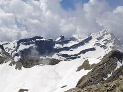 Widok z Gran Astazu na Taillon i szczyty Cirque Gavarnie