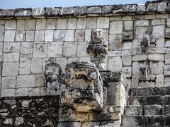 """Chichen Itza: le Temple des Guerriers et le Groupe des Milles Colonnes <a style=""""margin-left:10px; font-size:0.8em;"""" href=""""http://www.flickr.com/photos/127723101@N04/25933538506/"""" target=""""_blank"""">@flickr</a>"""