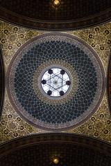 Ostentatoire (Azpeanuts) Tags: city light building colors europe prague religion ngc synagogue lumiere eglise ville plafond maure coupole dorure czeck espagnol