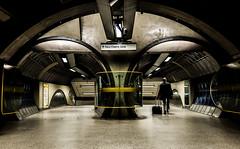 Off Op'North (Peter Murrell) Tags: travel londonbridge tunnel journey commuter commuting londonunderground twintunnels