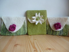 kleine Bltentaschen (gardendreamhouse) Tags: felted felting handmade taschen filz wolle wetfelting handgemacht