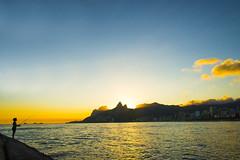 DSC_1118_peq (@giovanicordioli | gmcordioli@gmail.com) Tags: sunset shadow summer brazil sky sun sol silhouette rio brasil riodejaneiro arpoador olympicgames arpex sunsetlovers rio2016