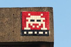Val-de-Marne (PA_1041) (Meteorry) Tags: street france art wall europe ledefrance spaceinvader spaceinvaders tiles april invader pixels rue mur orly idf artderue valdemarne 2016 carrelage carreaux rungis meteorry thiais belleepine invaderwashere pa1041
