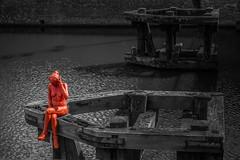 Leie River Red Sculpture (Adri Pez) Tags: street red urban sculpture white black color colour art blanco water ro river canal blackwhite rojo agua arte y belgium belgie negro pop escultura urbano este lys ghent gent gand leie gante flanders popping oost