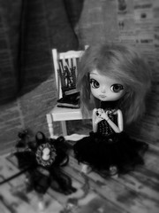 Kokoa (Hitomi~) Tags: white black chair doll noir dolls dal chandelier groove et blanc poupes