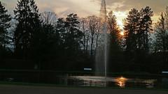Bad Pyrmont (DeeDee Pix) Tags: sunset sun water fountain canon wasser sonnenuntergang springbrunnen brunnen well stadt fountains m3 sonne palmengarten palme kurort kur niedersachsen 2016 kurpark deedeepix badpyrmont staatsbad