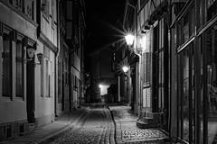 Quedlinburg2015 (sigiha1953) Tags: blackandwhite monochrome night germany deutschland iso200 alley fuji nacht iso 200 fujifilm nightscene altstadt oldtown harz colonnade nachtaufnahme gasse quedlinburg 2015 sachsenanhalt einfarbig schwarzweis xt1 kolonnade fujixt1 fujixf56mmf12r