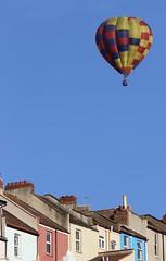 Balloon over Totterdown (Richimal) Tags: bristol fly flying balloon floating hotairballoon float totterdown bristolballoonfiesta bristolballoonfestival bristolinternationalballoonfiesta bristolfiesta bristolhotairballoonfestival