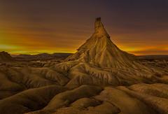 Castildetierra, Bardenas Reales (Ricardo Sanz Lezcano) Tags: sky landscape nubes nocturna desierto navarra bardenasreales castildetierra d7100 flickrnoctambulant