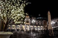 Brescia ambiance (mxjack) Tags: plaza light italy eye monument night photoshop dark square photography photo chair nikon italia place chairs bs adobe hours editing sedie orologio brescia sedia lombardia notte vaso edit lightroom pianta ambiance loggia 18105 pavimento ombrellone d7k nikonitalia d7000 nikond7000 nikond7k