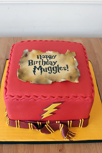 Harry Potter Scarf Cake