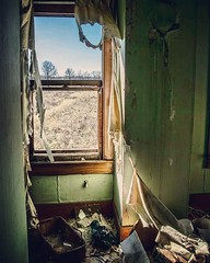view from the abandoned (tsodan03) Tags: windows abandoned decay louisville beautyindecay abandonedlouisville abandonedinkentucky