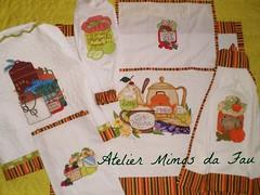 Conjunto para Copa & Cozinha (Atelier Mimos da Fau) Tags: quilt patchwork copa cozinha pintura puxasaco bordadoamo batemo cobrefogo patchaplique capaparagalodgua panobandeja panoparamicroondas
