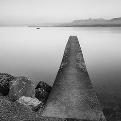 (Mat-S) Tags: longexposure blackandwhite lake rocks noiretblanc lac hitech rocher pontoon ponton filtre laclman expositionlongue nd1000 bigstopper