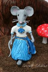 Little Betty Blue Nursery Rhyme Sugar Art 2015 (Everett Edibles) Tags: bettyblue nurseryrhyme sugarart cakedecoration cakeartist fondantfigure fondantmouse littlebettyblue