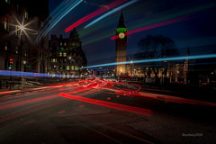 HC9Q2964-1 (rodwey2004) Tags: longexposure nightphotography landscape parliament bigben landmark lighttrails westminsterbridge