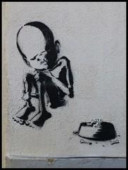 Lagos (abudulla.saheem) Tags: art portugal lumix kunst lagos panasonic graffito algarve foodbowl poorchild futternapf beggingchild armeskind abudullasaheem dmctz31 bettelndeskind