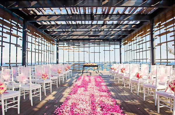 wedding-in-bali-at-Alila-Villas-Uluwatu-photo-by-marcus-bell-of-studio-impressions-15
