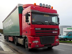 DAF XF 95.435 Semi-remorque Tautliner EUTRACO (B) (xavnco2) Tags: red france truck rouge lorry camion trucks picardie daf lkw semitrailer somme xf autocarro longueau tautliner semiremorque curtainside