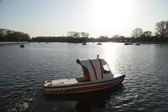 IMG_6506 Houhai lake patrol (Jordan Pouille JOURNALIST) Tags: china lake boat scenery beijing houhai pkin