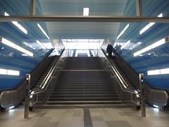 Metro in Hamburg (Angeline Haan) Tags: street color architecture photography streetphotography olympus omd straatfotografie em5markii