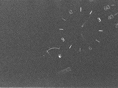 Tacho (Christian Güttner) Tags: auto blackandwhite bw film monochrome car analog 35mm volvo grain technik ilfordhp5 bil sw analogue speedometer ilford ricoh korn fahrzeug uhr tacho volvo940 samochód svartvitt ricohkr10 schwarzweis czarnobiale licznik hastighetsmätare schwarzweisfotografie moerschecodeveloper ecodeveloper