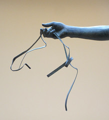 Arm holding the reins - The Charioteer (Monceau) Tags: hand arm delphi greece delphiarchaeologicalmuseum