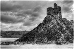 Ballybunion Castle. (Phil-Greaves.) Tags: county ireland blackandwhite bw seascape castle beach contrast landscape blackwhite kerry explored