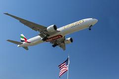 ORD 4-17 (Nicola Berry) Tags: chicago plane airport nikon flag aviation 10c ohare il emirates boeing arrivals planespotting boeing777 ohareairport d5300 nikond5300 runway10c