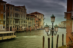 Dark memories (Sizun Eye) Tags: dark memories old town venice venise wenecja canalegrande grandcanal lampadaire candelabra streetlight vaporetto palaces palazzo clouds ambiance atmosfera mood italy italie wlochy europedusud southerneurope europe europa monuments unesco world heritage site wspomnienia sizuneye sizun nikond750 nikon d750 tamron2470mmf28 tamron 2470mm gettyimages