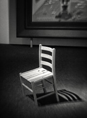 Defender Who Shall Not Be Seen (2008) by Marius Engh (Anne Worner) Tags: blackandwhite bw art monochrome wall museum lensbaby mono chair gallery floor artgallery olympus inside leaning castshadow e620 mariusengh pinechair sweet35 anneworner defenderwhoshallnotbeseen2008