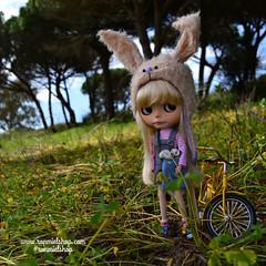 Isabelita (ronmielshop) Tags: bunny hat doll clothes blythe custom licca rabit boddy dafnery ronmielshop