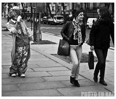clowning (Ed Kaz !) Tags: paris streetphotography clowns edkazphoto