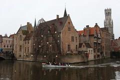 Bruges (dariusz_ceglarski) Tags: autumn water canal december belgium herfst belgi su desember vann woda hst belgien belgio kanalen podzim brgge belgia kanl kana sonbahar aralk prosinec belika brugia vodn  kanal waterkanaal brugres