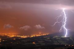 Coup de foudre sur un pturage (suarez.christophe) Tags: city storm alps night alpes lightning nuit orage stormchasing orages clair foudre clairs