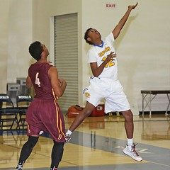 D142283A (RobHelfman) Tags: sports basketball losangeles highschool tournament crenshaw valleychristian orangeholidayclassic kevinkinard