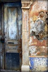 Stigmates crtois (Nadia L*) Tags: door wall paint colours couleurs porte mur peintures crte