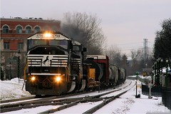ex-Conrail through Itasca, IL (Jeff Carlson_82) Tags: railroad winter snow chicago station train illinois ns railway il depot canadianpacific cp railfan cr itasca norfolksouthern conrail manifest emd sd60m 473 6794 elginsub