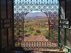 Window, El Glaoui Kasbah (nisudapi) Tags: mountains window view morocco atlas ironwork kasbah 2015 telouet