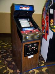 KY Louisville - Arkanoid (scottamus) Tags: game classic video cabinet kentucky arcade mini louisville cabaret 1986 arkanoid taito louisvillearcadeexpo