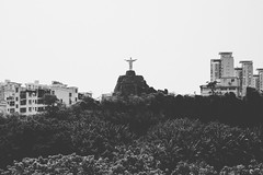 Theme Park Jesus (Linus Wrn) Tags: china blackandwhite bw monochrome statue blackwhite asia christ jesus christtheredeemer guangdong shenzhen themepark windowoftheworld