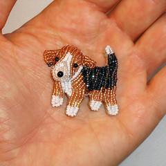 POCKET BEAGLE Tiny Beaded Keepsake Dog Pin Pendant Art Jewelry (The Lone Beader) Tags: fashion shopping puppy beads amazon jewelry gifts etsy beading beaded beadwork petportrait seedbeads beadembroidery dogjewelry akcshowdog amazonhandmade