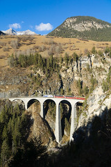 Landwasser Viaduct, Graubünden (peace-on-earth.org) Tags: world bridge heritage train geotagged switzerland rail railway tunnel unesco viaduct che landwasser rhaetian landwasserviadukt filisur peaceonearthorg kantongraubünden schmittenalbula geo:lat=4667927500 geo:lon=967604500