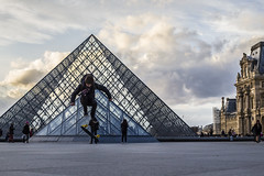 (Louis Chamard) Tags: street paris photography louvre skate penny 5d